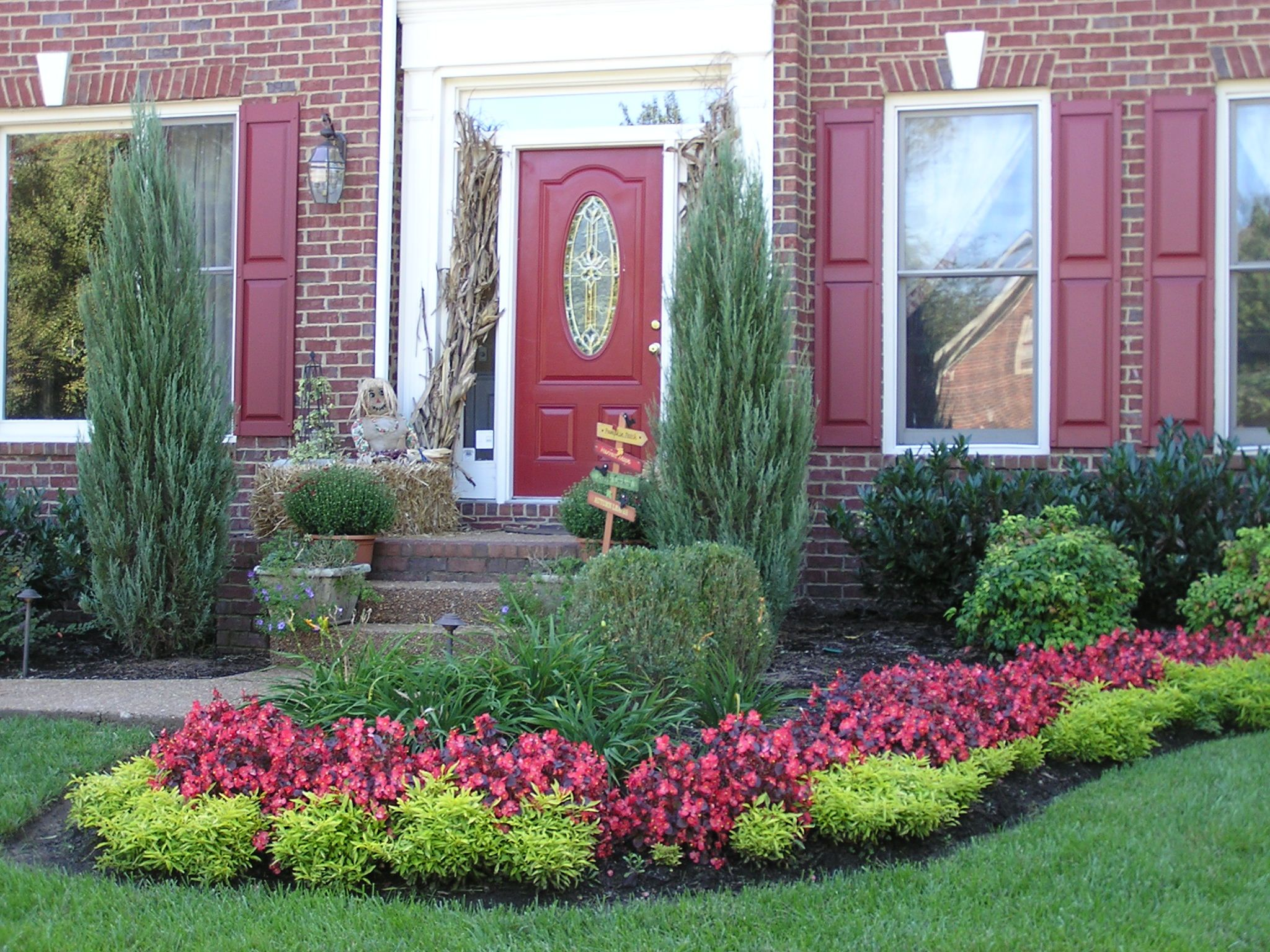 Learn about curb appeal at canada blooms ohs landscape for Punch home and landscape design won t install